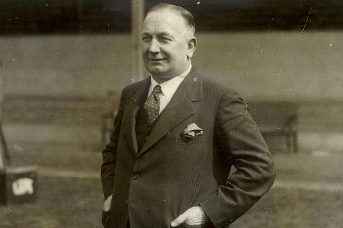 Herbert Chapman - cha đẻ của WM.  đội hình