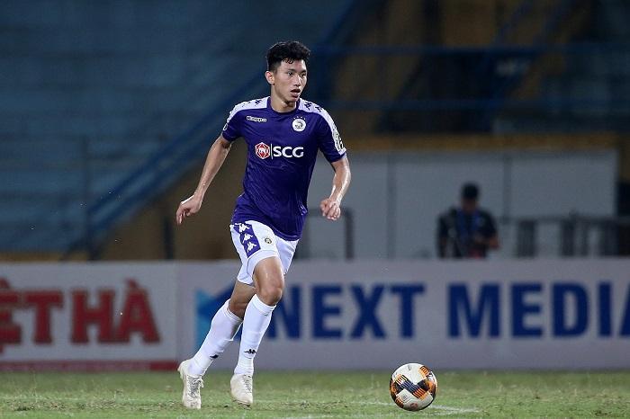 Văn Hậu là cầu thủ trẻ nhất thi đấu cho CLB Hà Nội tại đấu trường V.League