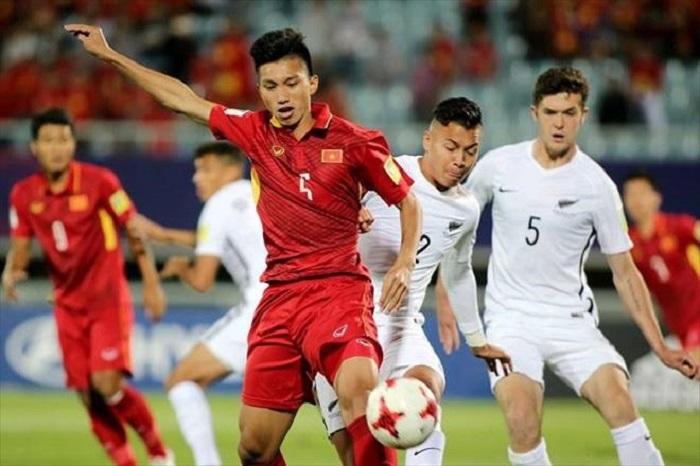Văn Hậu trong trận gặp U20 New Zealand tại FIFA U20 World Cup 2017