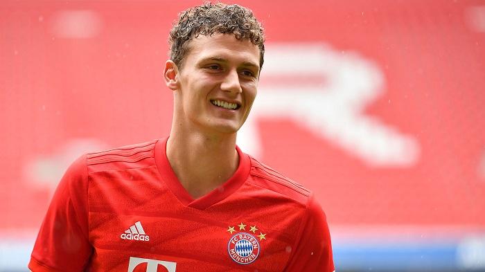 Benjamin Pavard gia nhập Bayern Munich vào mùa hè 2019