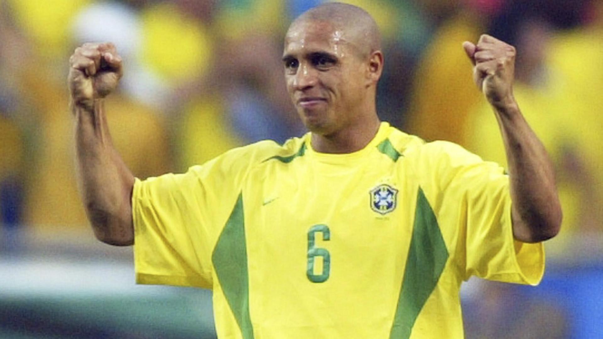 Huyền thoại Roberto Carlos - Người đàn ông viên đạn là ai? - Blogsoccer.net