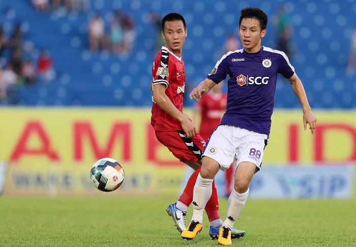 Đỗ Hùng Dũng thi đấu cho CLB Hà Nội