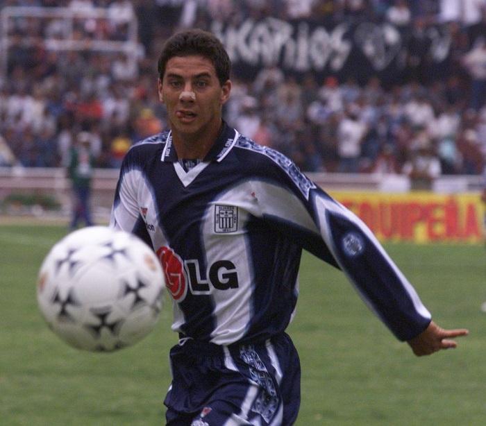 Claudio Pizarro là ai 2