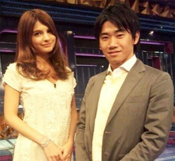 Kagawa và bạn nữ Margaret Natsuki