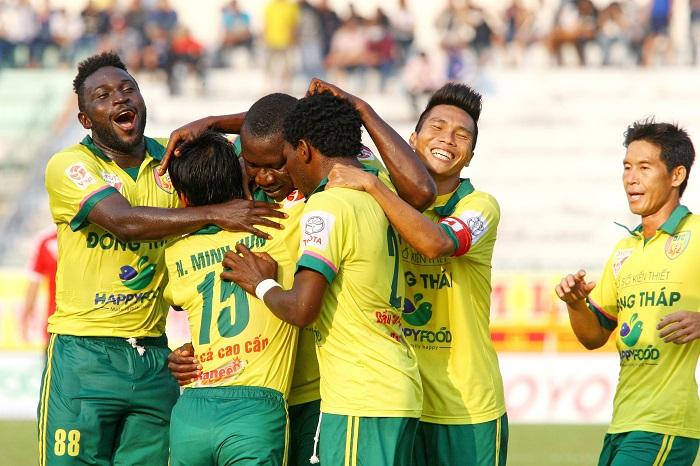 tin tức về câu lạc bộ bóng đá Đồng Tháp - Đội bóng xứ biển