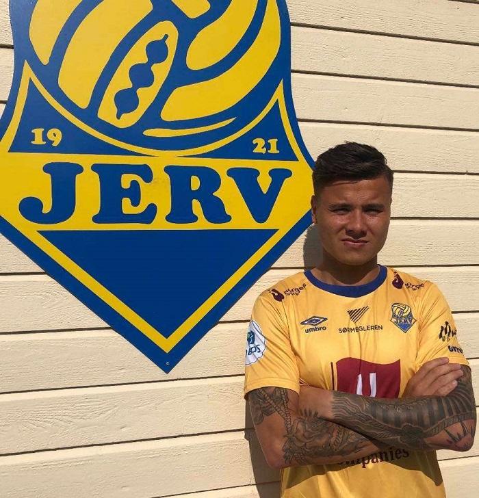 Alexander Dang chơi cho FK Jerv.  câu lạc bộ