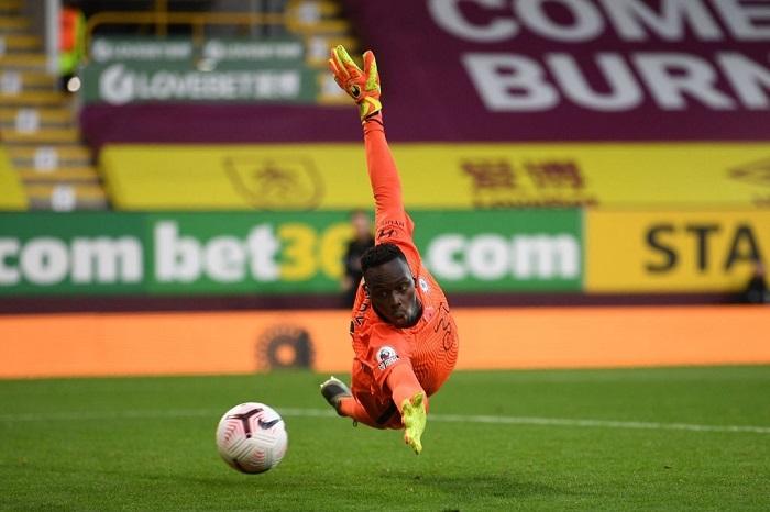 Edouard Mendy đẩy Kepa xuống ghế dự bị tại Chelsea