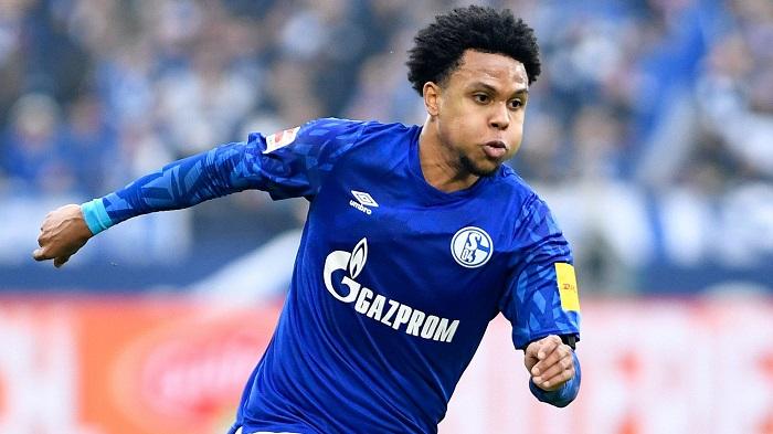 Weston McKennie khi tập luyện cho Schalke 04
