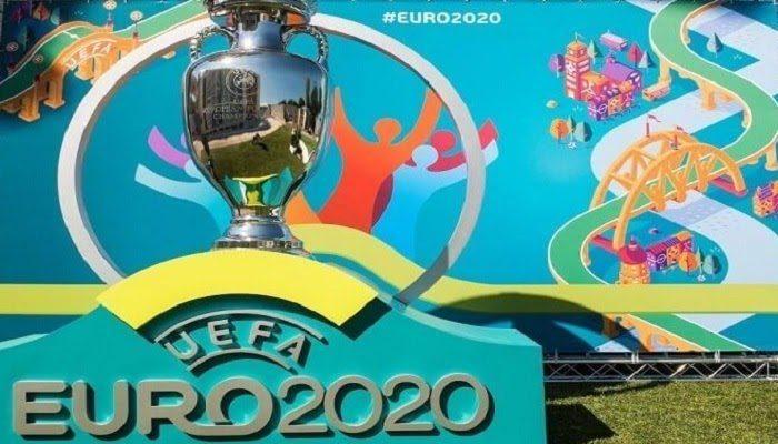 Vào rạng sáng ngày một3/11/2020, vòng chung kết giải bóng đá Euro 2021 đã xác lập được khá đầy đủ 24 đội bóng tham gia sau loạt trận P.lay off mê hoặc và kịch tính.  Theo đó, 4 đội ở đầu cuối xuất sắc giành vé dự VCK Euro 2021 gồm: Bắc Macedonia, Slovakia, Hungary và Scotland.  Các đội bóng tham gia VCK Euro 2021 Trước 4 đội bóng mà 1xbet san sẻ ở trên, UEFA đã xác lập rõ 20 đội giành quyền tham gia VCK Euro 2021 gồm: Đức, P.háp, Bồ Đào Nha, Ba Lan, Thụy Điển, Tây Ban Nha, Séc. Cộng hòa, Croatia, Anh, Áo, Ukraine, Hà Lan, Bỉ, Nga, P.hần Lan, Đan Mạch, Thụy Sĩ, Wales, Ý, Thổ Nhĩ Kỳ Thổ Nhĩ Kỳ.  Theo đó, 24 đội sẽ tiến hành phân thành 6 bảng và mỗi bảng sẽ bị tổng số 4 đội tham gia.  Cụ thể: Bảng A, gồm: Thụy Sĩ, Xứ Wales, Ý và Thổ Nhĩ Kỳ.  Bảng B, gồm: Nga, Bỉ, P.hần Lan, Đan Mạch.  Bảng C, gồm: Bắc Macedonia, Áo, Ukraine và Hà Lan.  Bảng D, gồm: CH.Séc, Scotland, Croatia và Anh.  Bảng E, gồm: Slovakia, Ba Lan, Thụy Điển và Tây Ban Nha.  Bảng F, gồm: Đức, P.háp, Bồ Đào Nha và Hungary.  Đội giành chức vô địch Euro 2021 sẽ nhận được số tiền thưởng là 9,25 triệu euro.  Mỗi vòng bảng, đội thắng sẽ nhận thêm một,5 triệu euro.  Đối với một trận hòa, mỗi đội sẽ tiến hành thưởng 750.000 Euro.  Thể thức tranh tài của giải bóng đá Euro 2021 Theo trang cá cược bóng đá euro, mùa giải Euro 2021 trong những năm này hoàn toàn có thể trình làng tương tự như Euro 2016. Theo đó, tại vòng bảng, mỗi đội sẽ tranh tài vòng tròn một lượt.  trong một lượt.  Sau đó, Ban tổ chức triển khai sẽ lựa chọn ra 2 đội đứng đầu mỗi bảng.  Cộng với 4 đội xếp thứ 3 có thành tích tốt nhất lọt vào vòng 16. Euro 2016, đội tuyển Bồ Đào Nha là một trong những trong 4 đội xếp thứ 3 có thành tích tốt nhất bảng F với 3 điểm.  Sau đó, đội bóng này giành quyền vào vòng 16. Với bản lĩnh của tớ, đội tuyển Bồ Đào Nha đã lần lượt vượt mặt những đối thủ cạnh tranh đối đầu cạnh tranh đối đầu và lên ngôi vô địch Euro 2016. Lịch tranh tài, vị trí và thời hạn trình làng mùa giải Euro 2021 trong những năm này đặc biệt quan